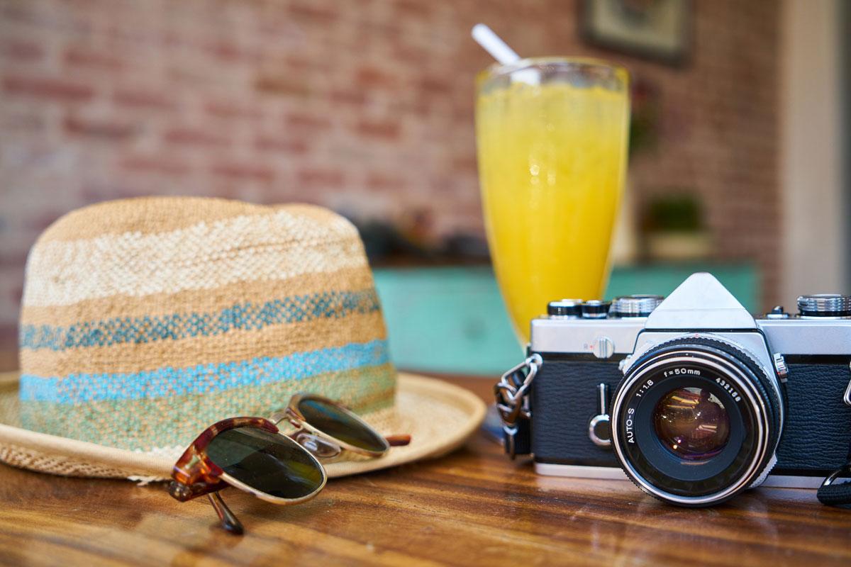 camera-classic-close-up-413960